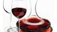 Aşk Şarabının Seksi Sunumu