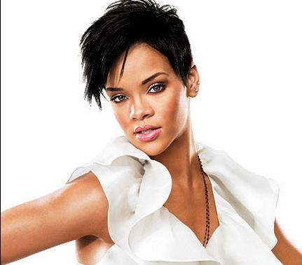 Rihanna kısa siyah saçlar