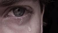 Tek Bir Damla Gözyaşı İle Çekip Gitmek