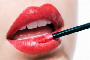 dudak makyı nasıl yapılır